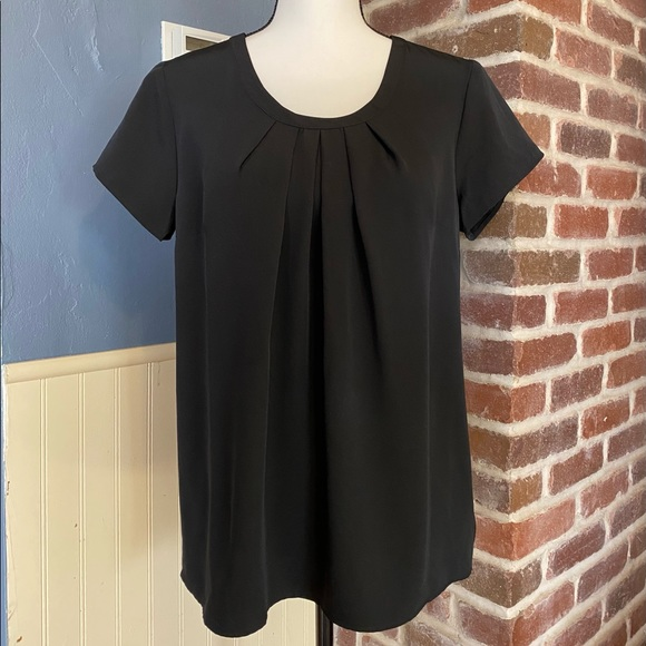 Lands' End Outfitters Short Sleeve Black Top 8